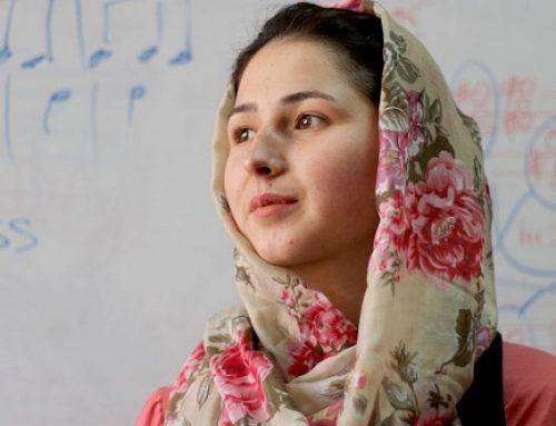 La prima direttrice d'orchestra dell'Afghanistan in fuga dal nuovo regime